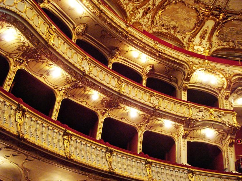 opera_balcony